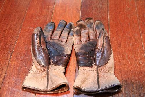 glove02.jpg